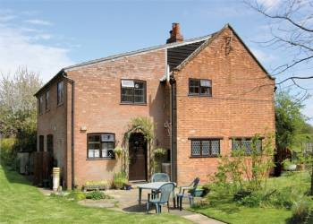 rent field-holiday-cottage-orford near Aldeburgh suffolk