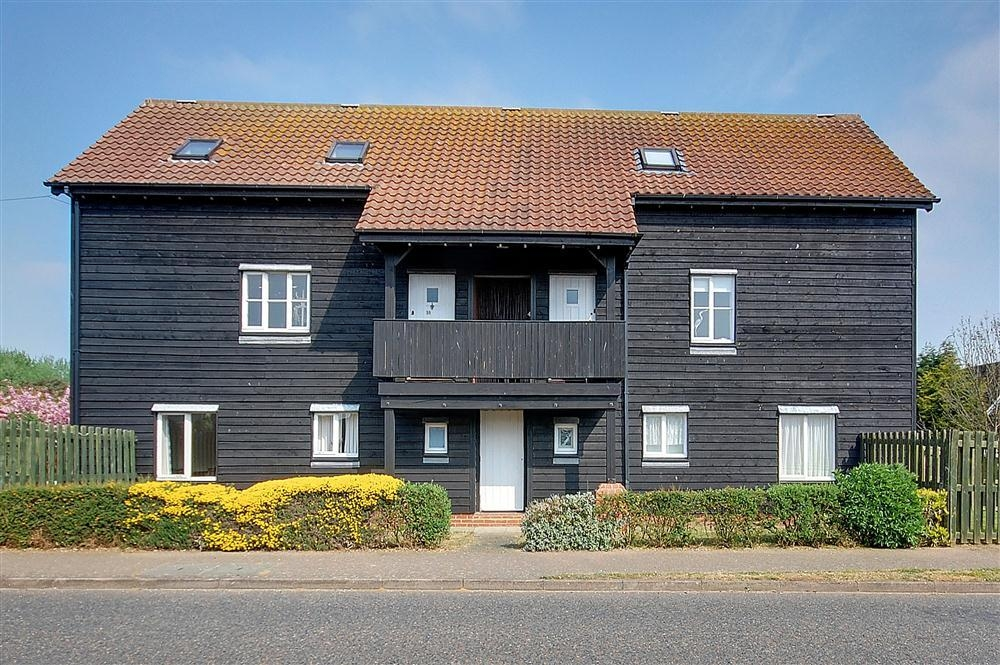 The Quarter Deck Aldeburgh | Self-Catering Holiday Cottage in Aldeburgh Suffolk