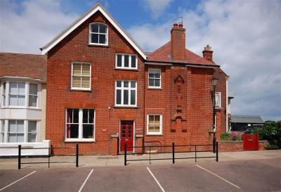 Flat 2, Lyndhurst Aldeburgh | Self-Catering Holiday Cottage in Aldeburgh Suffolk