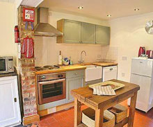 April-Cottage-Aldeburgh-Kitchen